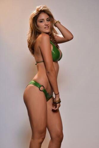 Piera Parra es una bella joven que sueña con triunfar en la vida.