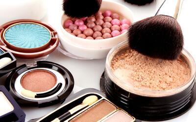 Trucos para reparar tu maquillaje dañado