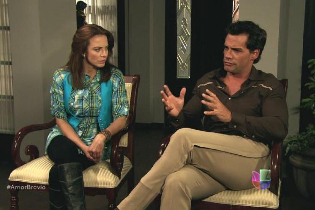 Daniel tienen problemas para creer todo lo que Rosario les cuenta sobre...