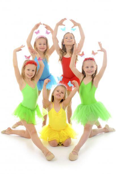 Bailar, cantar y nadar. Otra buena opción es averiguar qué...
