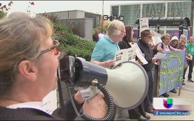 Residentes protestan por paso de trenes