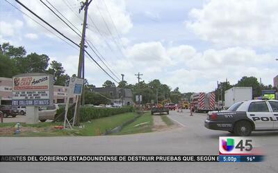 Fuga de gas lleva a varios negocios a ser evacuados al NO de Houston