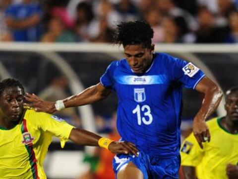 Honduras goleó 7 - 1 a Granada, con 3 goles de Carlo Costly, dos...