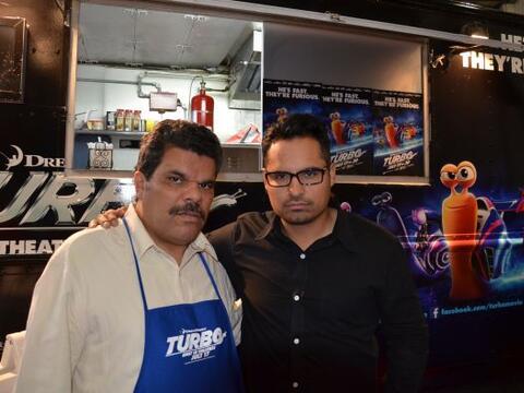Michael Peña y Luis Guzmán compitieron por ver quién hacía mejores tacos...