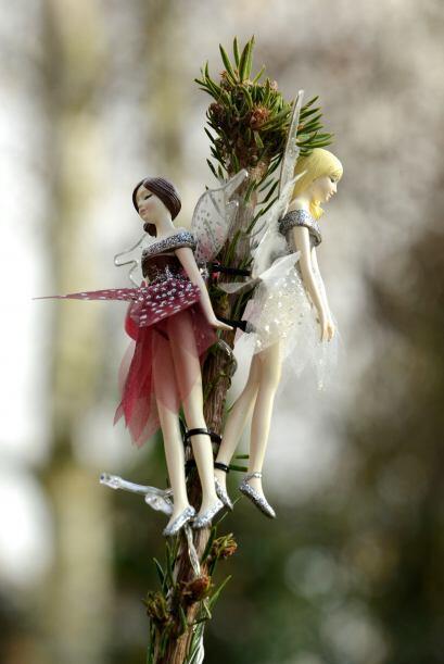 Hasta la cima del árbol podemos encontrar un par de hadas s&iacut...