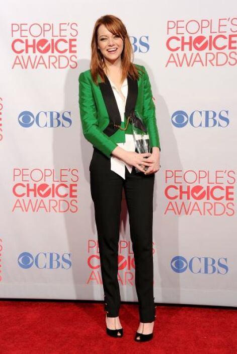 Emma Stone también se ha dejado seducir por esta moda. Ella le dio un as...