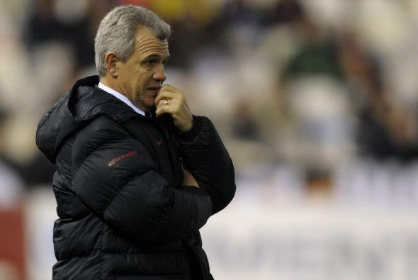 El entrenador mexicano le respondió a la tribuna visitante con cortes de...