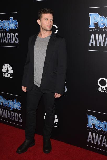 Qué guapo es Ryan Phillippe. Su look no era de los mejores, pero se lo p...