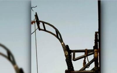 'Arizona en un Minuto': traficantes instalan catapulta en el muro fronte...