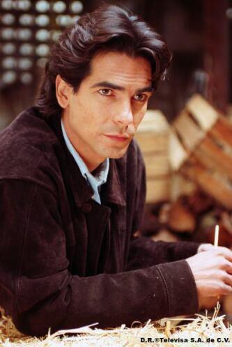 Leandro es muy atractivo y honesto pero caerá fácilmente en las garras d...