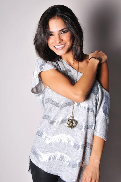 Alejandra Espinoza es una de las bellezas que engalanan cada semana Sába...