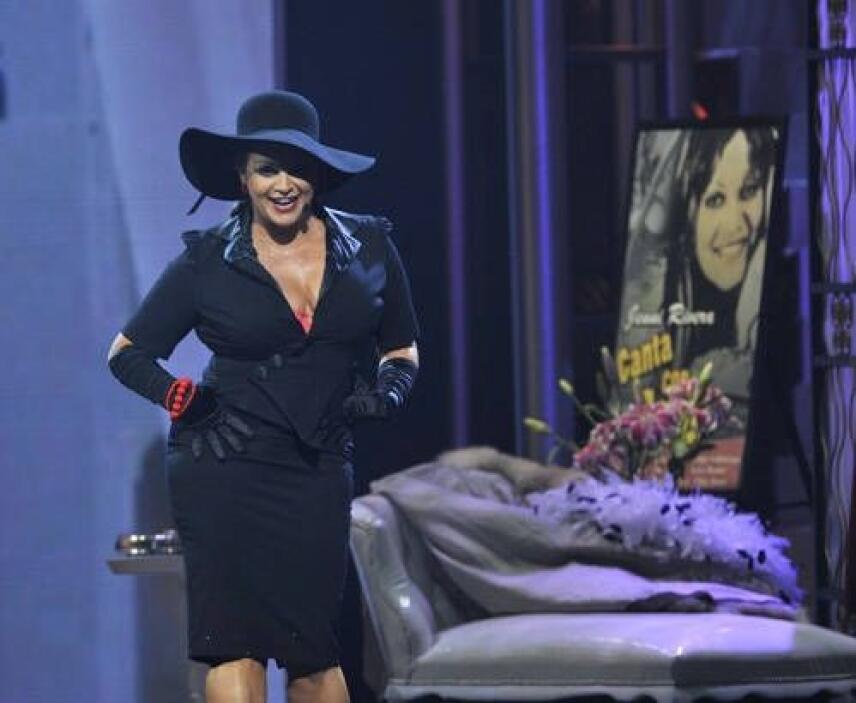 Para hacer una noche mágica, en Premio Lo Nuestro 2008 cantó 'Dama Divin...