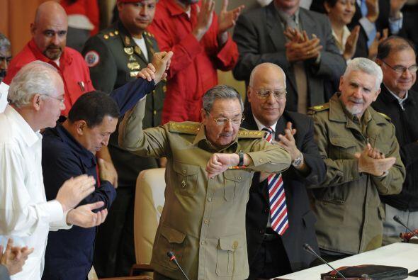 Chávez llegó el domingo a la isla y participó el lu...