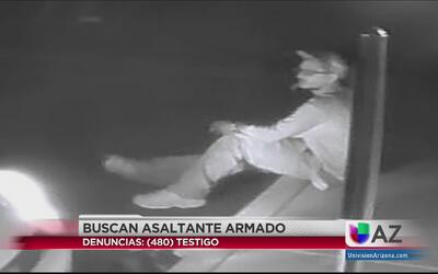 Captan en video a asaltante armado