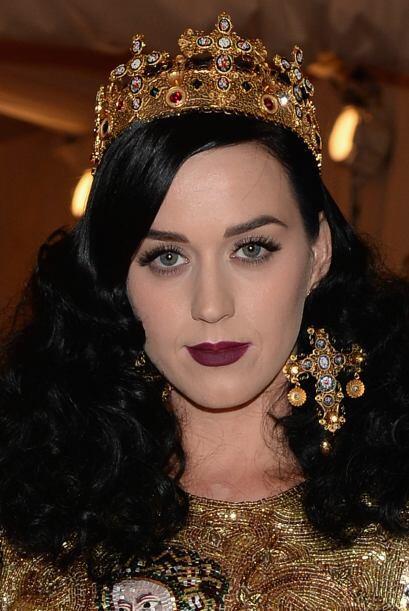 Parece que Katy Perry y Michelle se confundieron de cuento. Punk y alta...