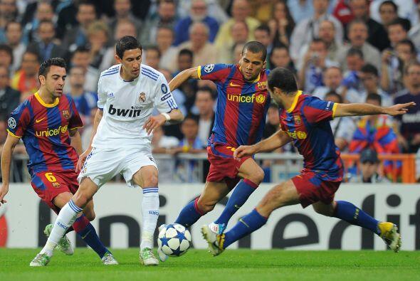 El primer tiempo terminó así, con poco fútbol y sin goles.