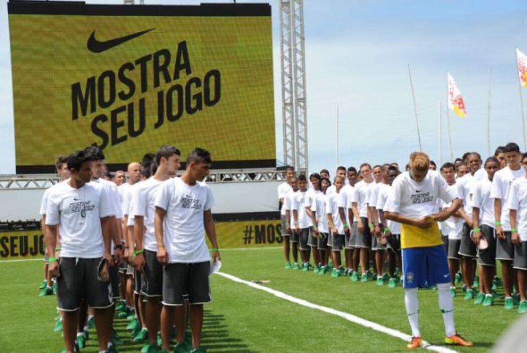 ¡Sí, el mismísimo Neymar estaba en la playa de Copacabana!