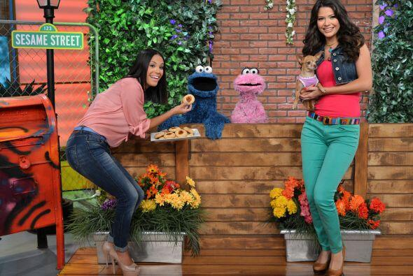 Ana Patricia y Karla comieron galletas con Cookie Monster y Lola, &iques...