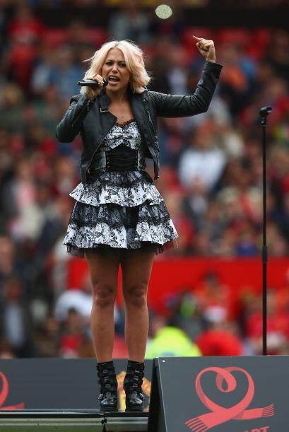La banda inglesa JLS y la solista Amelia Lily fueron parte del show.