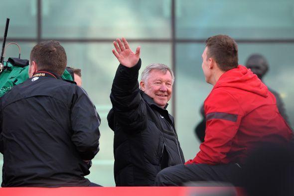 Por supuesto, todos buscaban dónde se encontraba Sir Alex Ferguson.