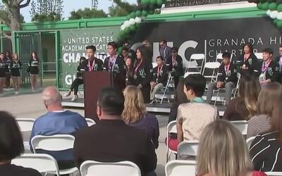 Estudiantes de la Preparatoria Charter de Granada Hills triunfaron en el...