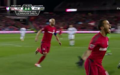 Goooolll!! Sebastian Giovinco mete el balón y marca para Toronto FC