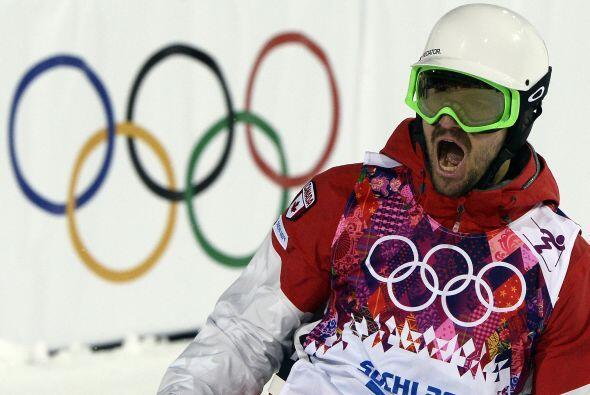 Philippe Marquis, de Canadá, celebra su primera carrera en las fi...