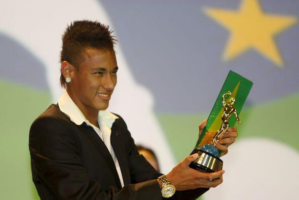 La máxima estrella es Neymar. El delantero del Santos, pretendido por in...