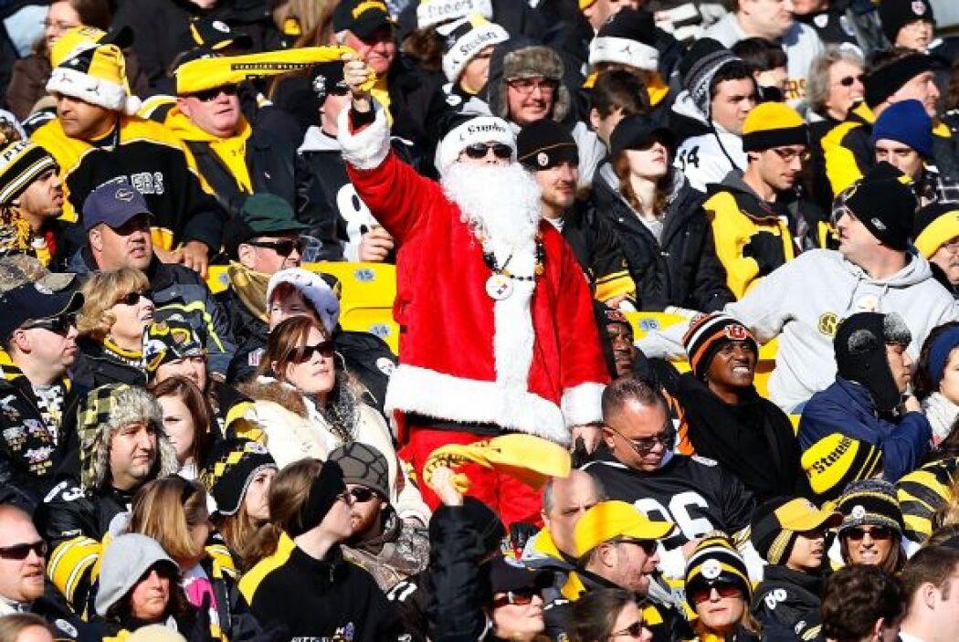 """Santa, miembro de las """"Toallas Terribles""""."""