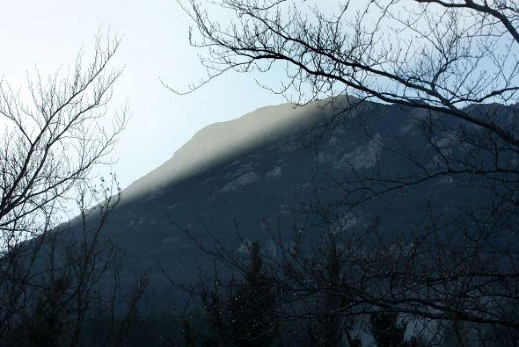 La historia de la montaña y la aldea se remonta al reinado de Luis XV y...