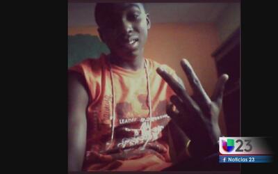 Joven fue asesinado frente a su casa en Fort Worth