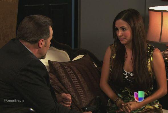 Natalia le pregunta a su padre por qué razón permiti&oacut...
