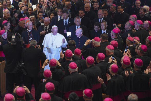 Más de 300 obispos le aguardaban en la Catedral de San Mateo Apóstol.