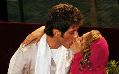 Niurka Marcos y Bobby Larios fueron quizá una de las parejas más escanda...