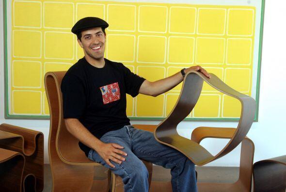 Sami Hayek nos muestra varios de sus muebles de exclusivo diseño....