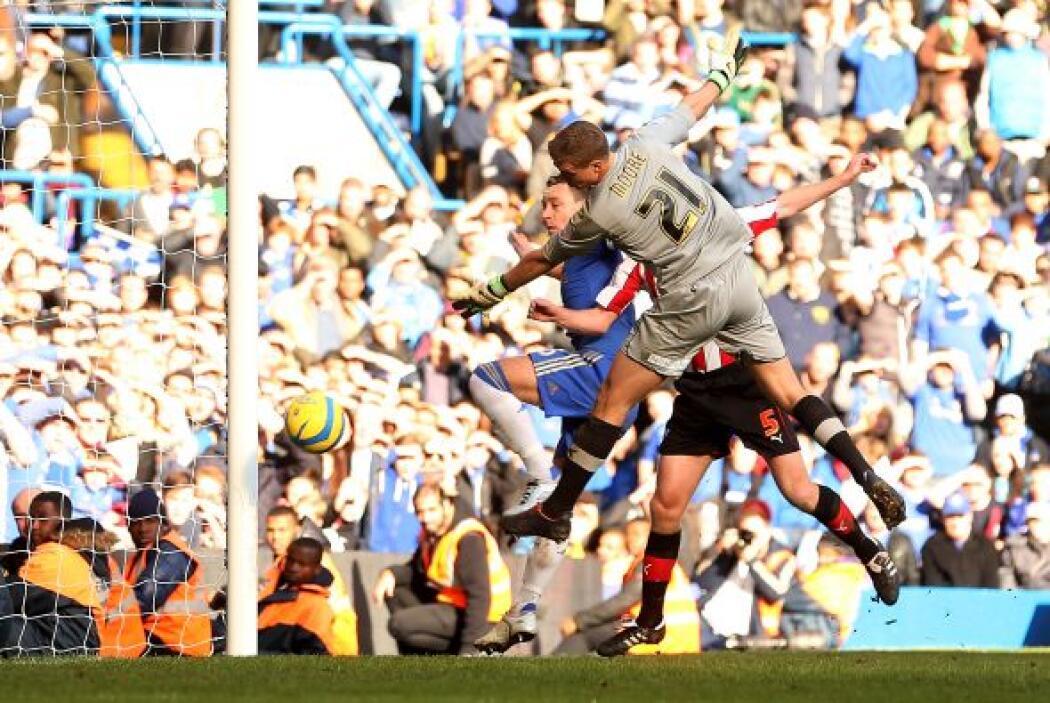 El capitán del Chelsea fue parte del festín que se dio su club en la FA...