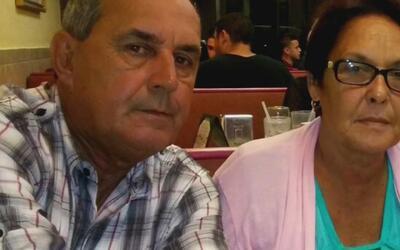 Hija de pareja cubana retenidos por inmigración en Miami, pide que dejen...