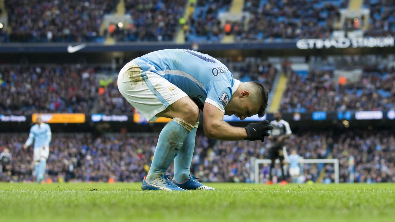 El 'Kun' Agüero lamenta una falla contra Leicester