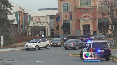 Amenaza de bomba provoca evacuación de mall