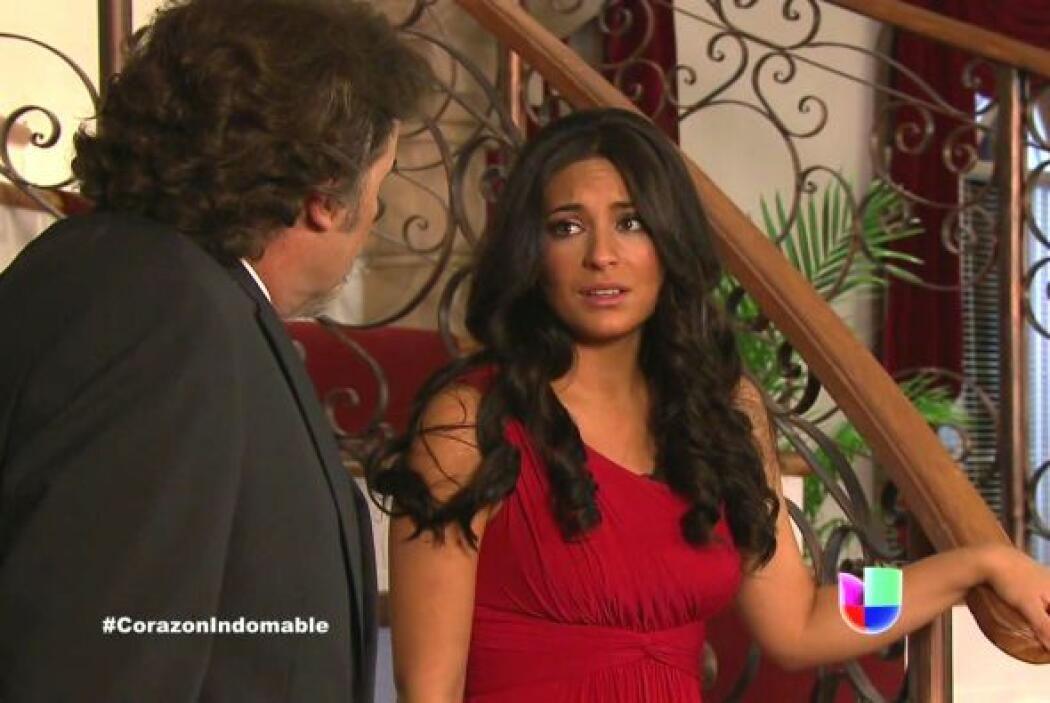 Maricruz agradece a Alejandro por haberla llevado a presenciar esa puest...