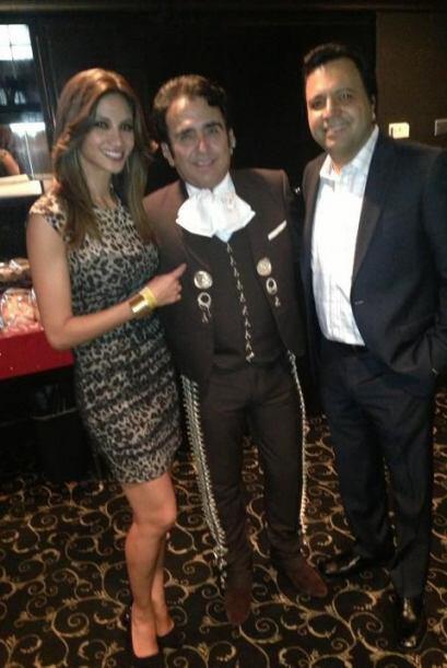 Omar & Argelia con Vicente Fernandez