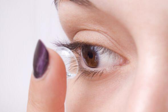 4. Lentes de contacto. Usarlos de forma inapropiada puede ser peligroso...