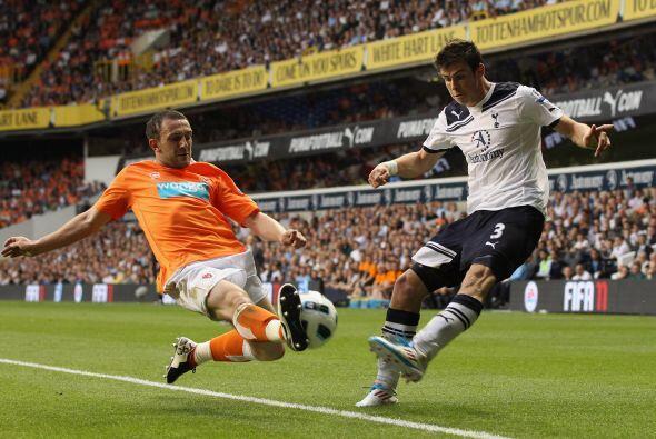 Tottenham buscaba un triunfo para acercarse a los líderes.