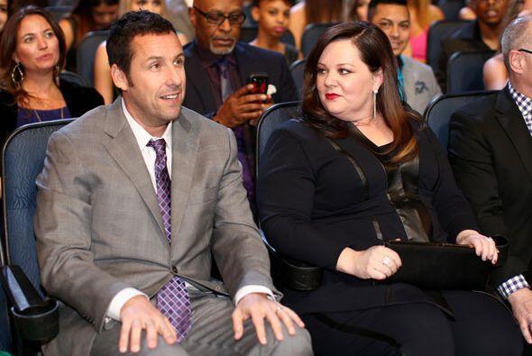 ¿Qué estarían platicando Sandler y Melissa McCarthy?