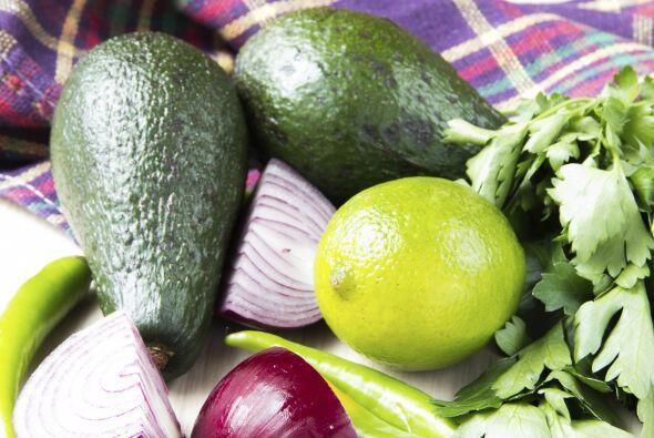 Guacamole: Necesitas 4 aguacates maduros, ½ taza de cilantro fres...