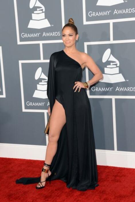 Pese a que los organizadores pidieron 'outfits' más tapados, a famosas c...