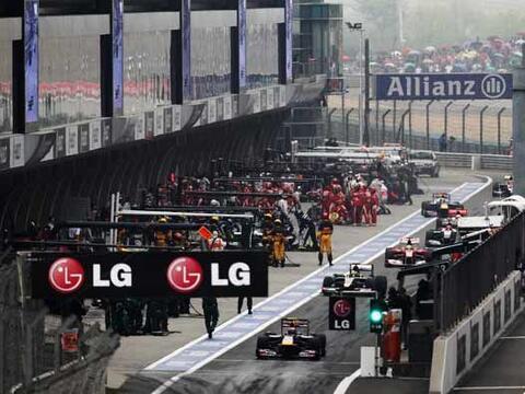 El Gran Premio de China hizo trabajar horas extra a los mecánicos...