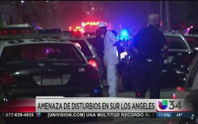 Tensa situación entre la policía y pandilleros al sur de Los Ángeles