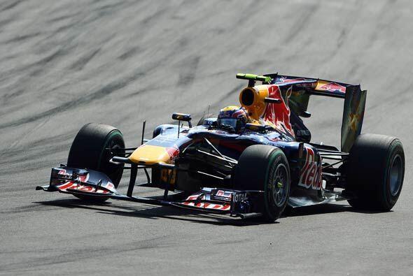 El Red Bull de Sebastian Vettel tuvo algunos problemas mecánicos y termi...