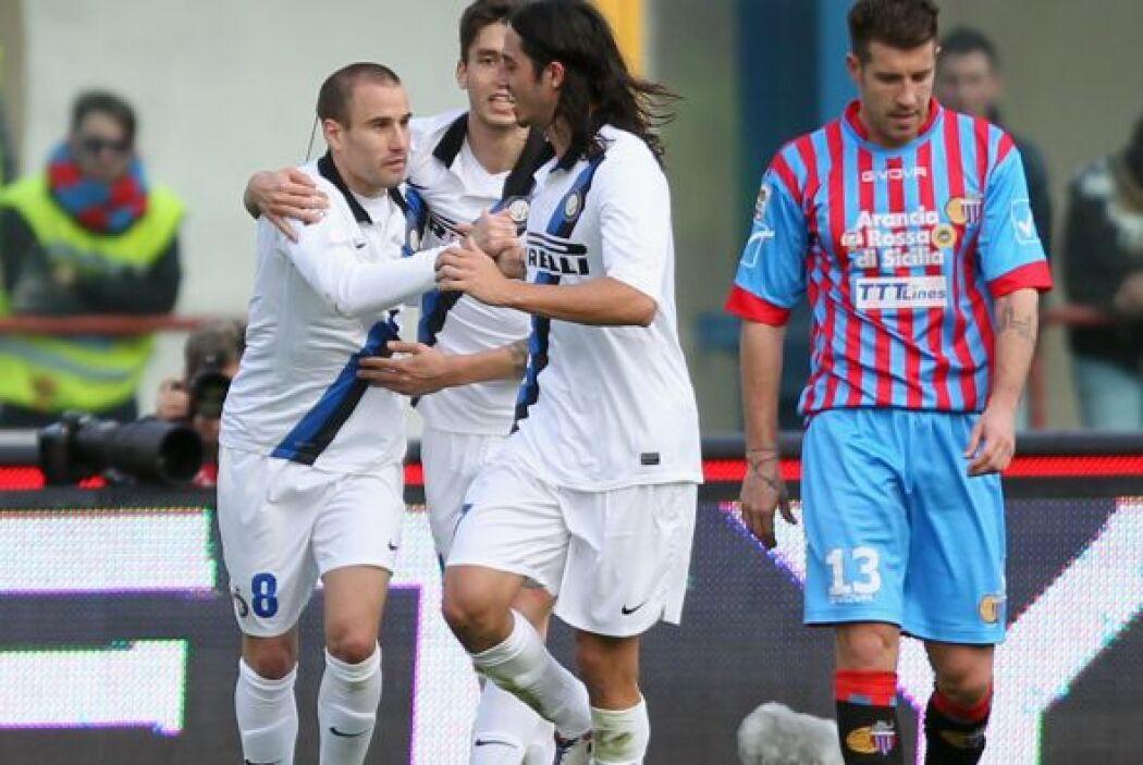 El atacante del Inter de Milán hizo dos anotaciones para que su club rem...